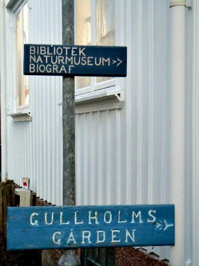 Gullholmsgården skyltar